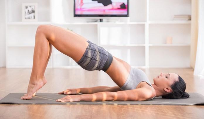 Pelvic tilt strengthens the back and hips