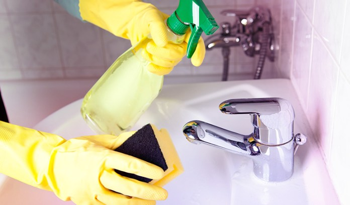 This cleaner can easily remove grime from bathtubs