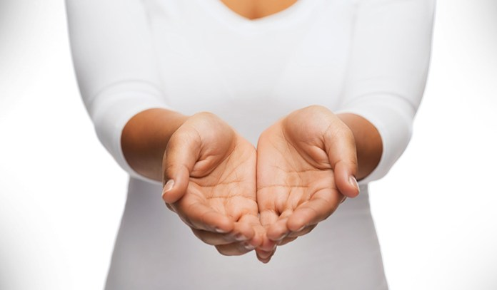 Pale and cold hands can indicate an iron deficiency