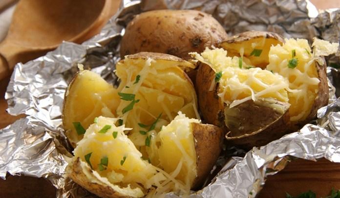 Potatoes are rich in fiber.