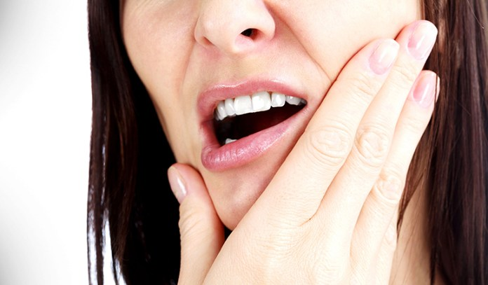 Research suggests that poor oral health may point to an unhealthy heart.