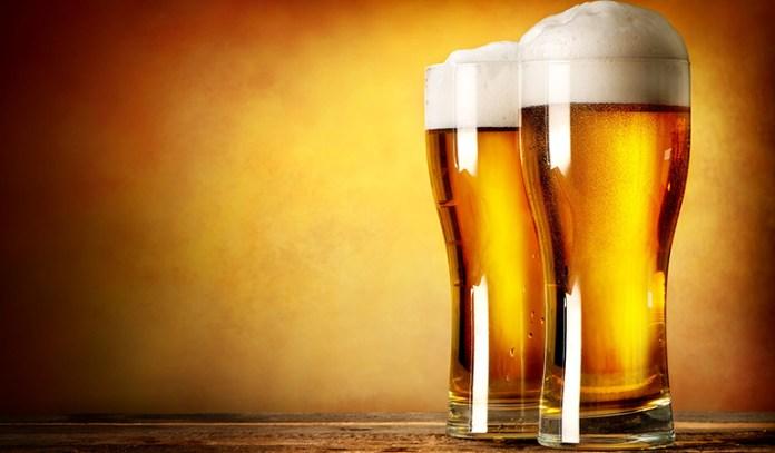 Alcohol worsens psoriasis.