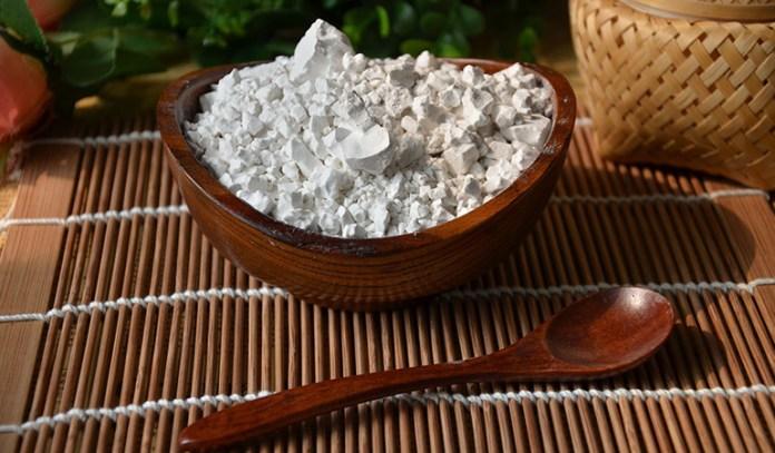 Mix cassava flour in sauces or gravies