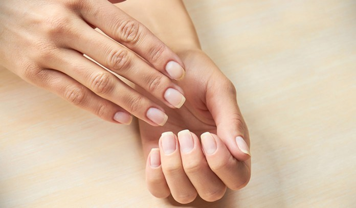 Examining your fingernails can tell about iron levels in the blood