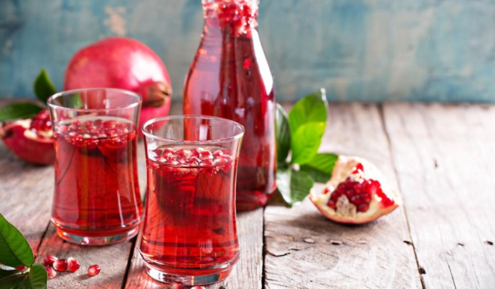 Studies found that pomegranate can reverse blockage and narrowing of arteries.
