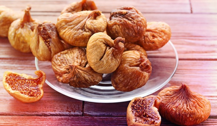Dried figs have 0.82 mg of zinc.