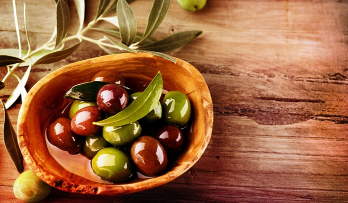 A cup of black olives: 2.25 mg of vitamin E (15% DV)