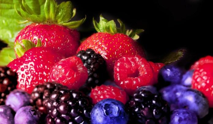 Blackberries, 1 cup: 1.68 mg of vitamin E (11.2% DV)