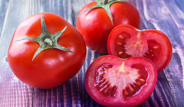 A cup of tomatoes: 0.97 mg of vitamin E (6.5% DV)