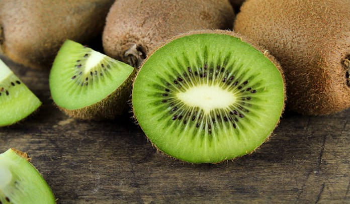 1 cup of sliced kiwifruits has 72.5 mcg of <!-- WP QUADS Content Ad Plugin v. 2.0.27 -- data-recalc-dims=