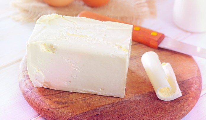 A tablespoon of margarine has 181.6 mcg of retinol.