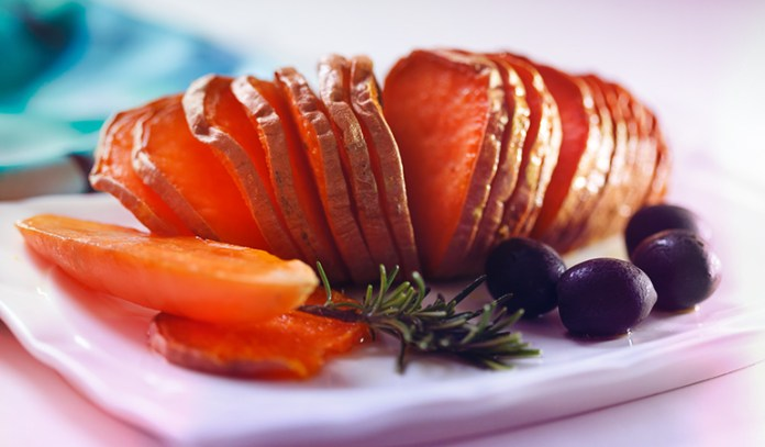 A cup of sweet potato flesh has 0.994 mg of manganese (43.2% DV) manganese.
