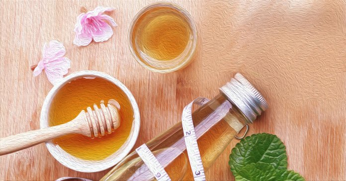 The pros and cons of using honey for weight loss.