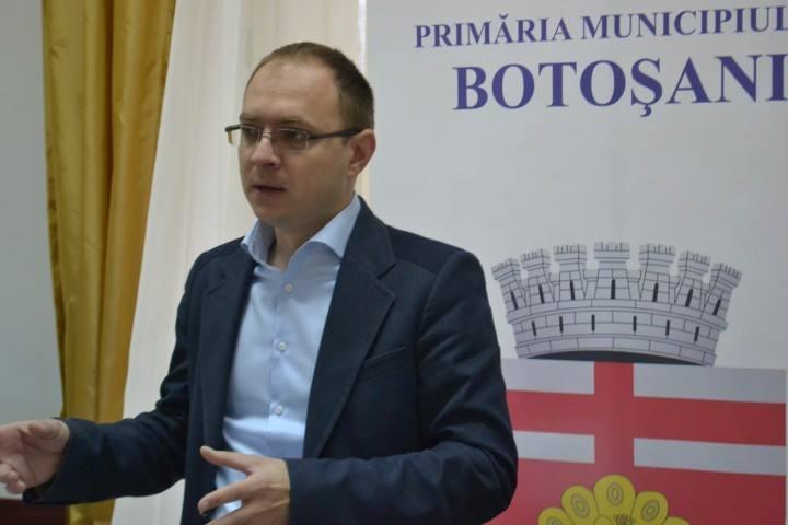 """Cosmin Andrei, viceprimar municipiul Botoșani: """"Primarul Flutur dă vina pe consilierii PSD pentru propriile nerealizări"""" 1"""