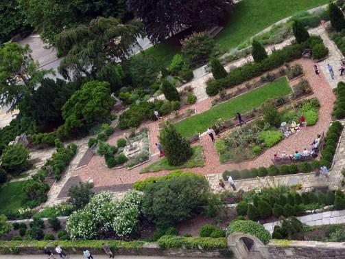 Cathédrale de Washington-Vue sur le jardin Bishop.