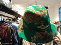Cappellino verde floreale