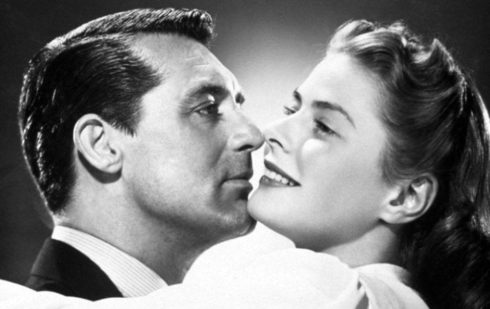 Cary Grant e Ingrid-Bergman beso