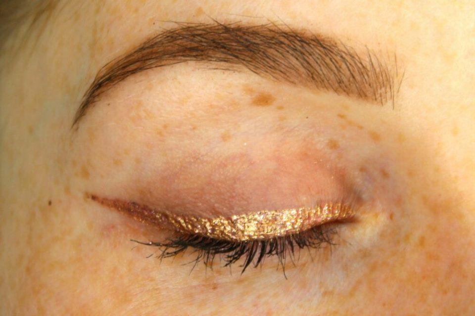 precauciones purpurina en el ojo - como hacer la raya del ojo con brillo