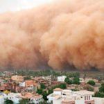Tormenta de arena devora una ciudad china | Vídeo