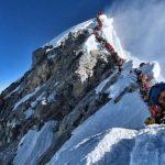 El mayor atasco de la historia para coronar el Everest