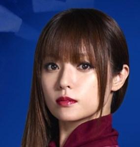 ドラマ『ルパンの娘』で泥棒一家の娘を演じている深田恭子さん