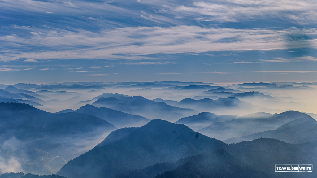 mountain-view-from munsiyari-uttarakhand-india