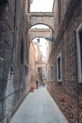 tips for sustainable travel in Venice-45
