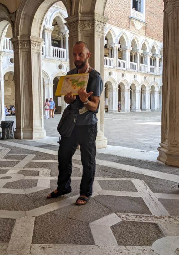 Local Venice Tour Guide Tips for Sustainable Travel in Venice