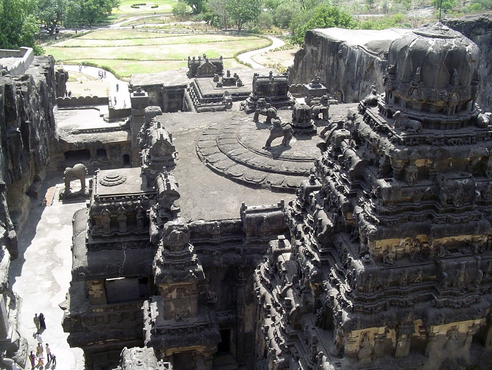 An image of the Kailasha Temple. Image Credit: Wikimedia Commons.