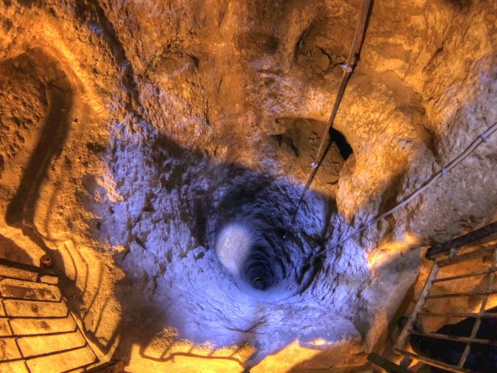 Deep ventilation well in Derinkuyu Underground City. Image Credit: Wikimedia Commons.