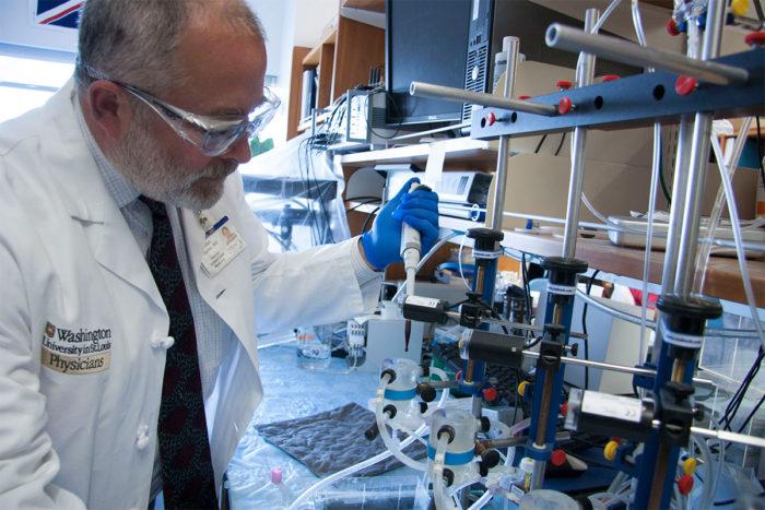 Crean sangre artificial para transfuciones. Así es cómo funciona