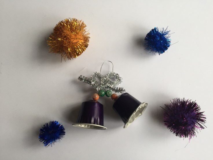Christmas decorations from recycled materials - made out of coffee capsules