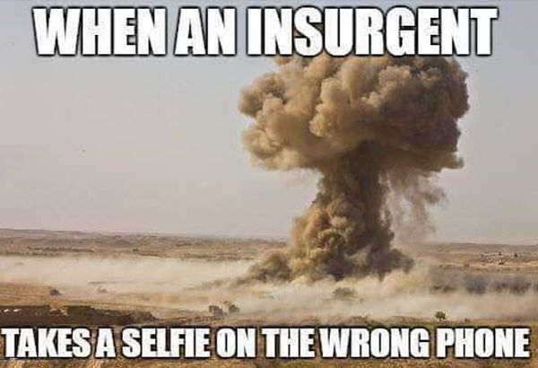 military-humor-just-army-things-insurgent-selfie-wrong-phone