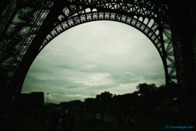 Eiffel curves - This huge arch at the base of Eiffel tower looks beautiful