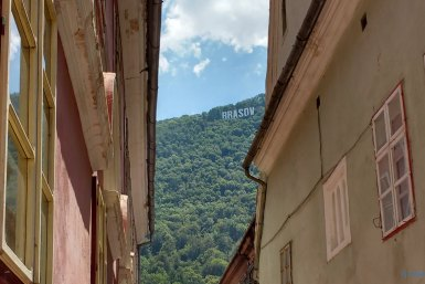 Narrow lanes in Brasov