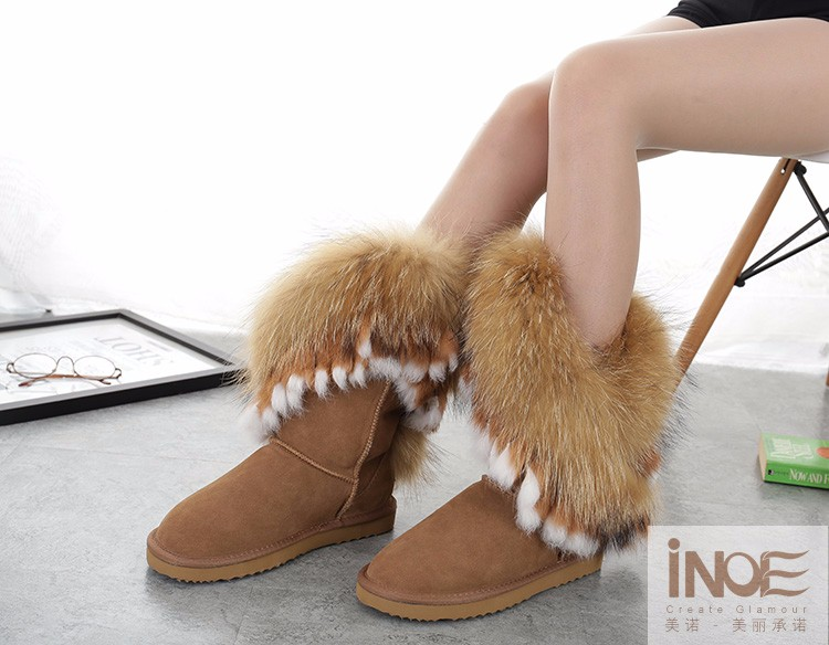 Super fluffy fox snow boots #lovethis #fashion #boots #afflink