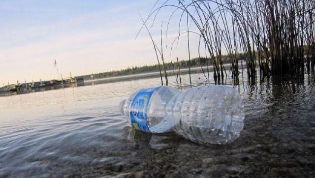 https://i2.wp.com/curiousmob.com/wp-content/uploads/2015/03/plastic-waste3.jpg?resize=640%2C362