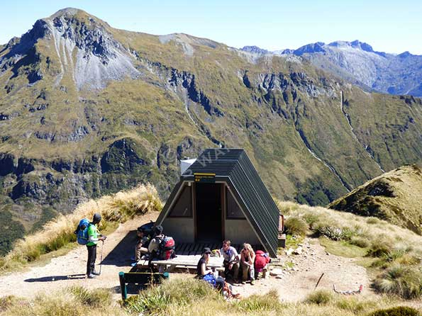 The-Hanging-valley-shelter