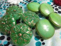 2 sets green&gold buttons