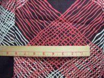 100% fine cotton scale of criss-crosses