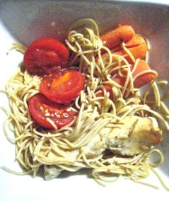 not too inspired leftovers - tomatoes & carrots w' wheat noodles & chicken