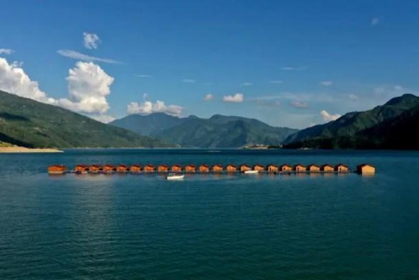 floating huts tehri lake