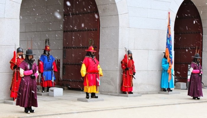 Changing of the Royal guards at Gyeongbokgung Palace