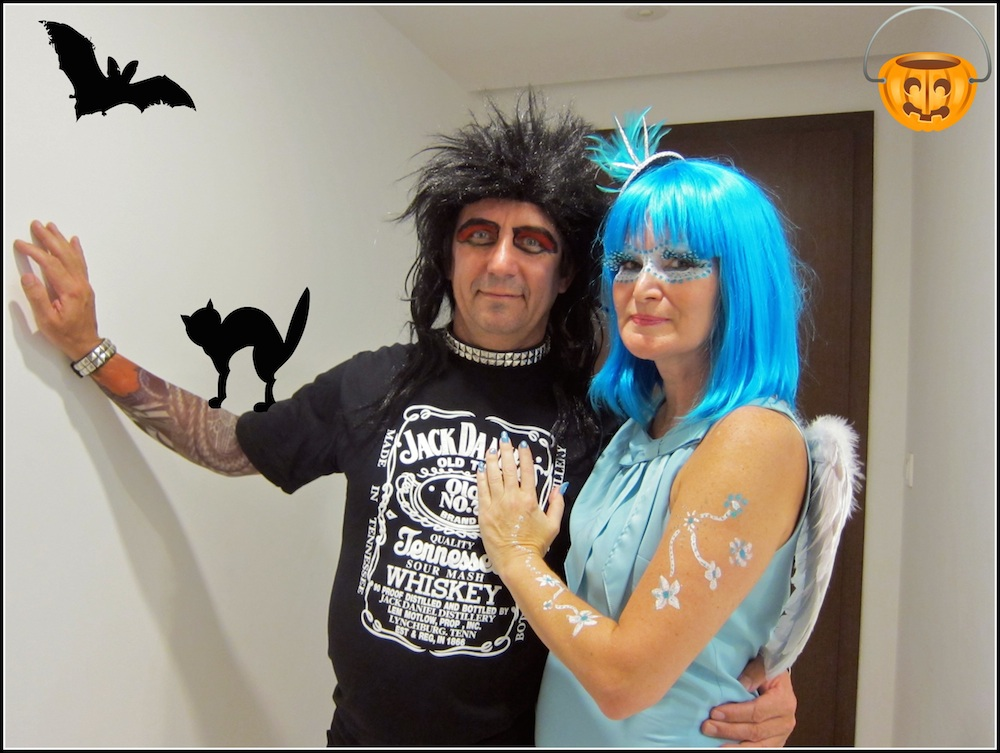 coule in costume halloween singapore| curlytraveller.com