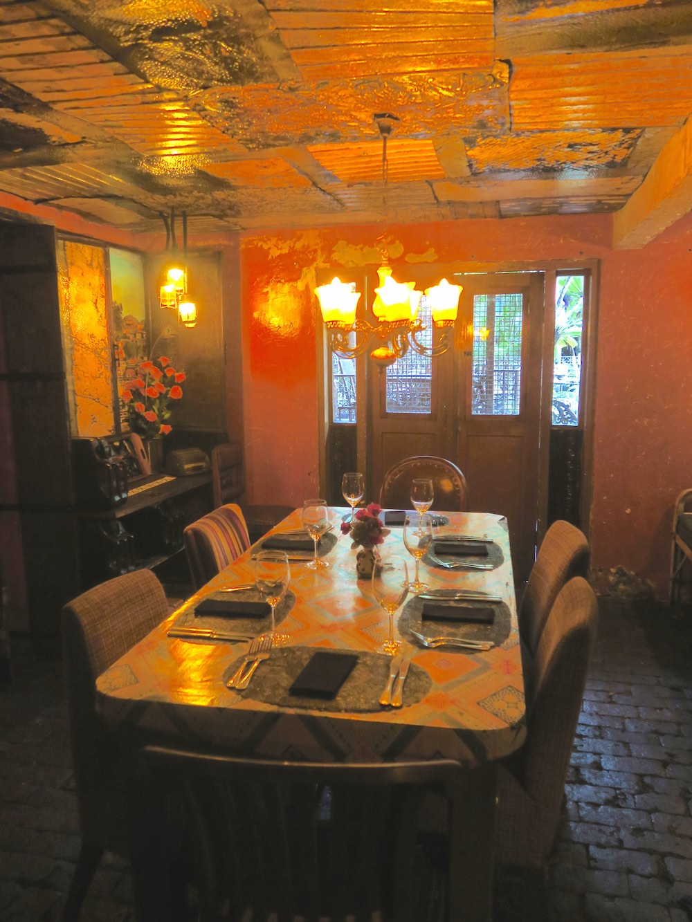 Yet another private dining room at La Favela |curlytraveller.com