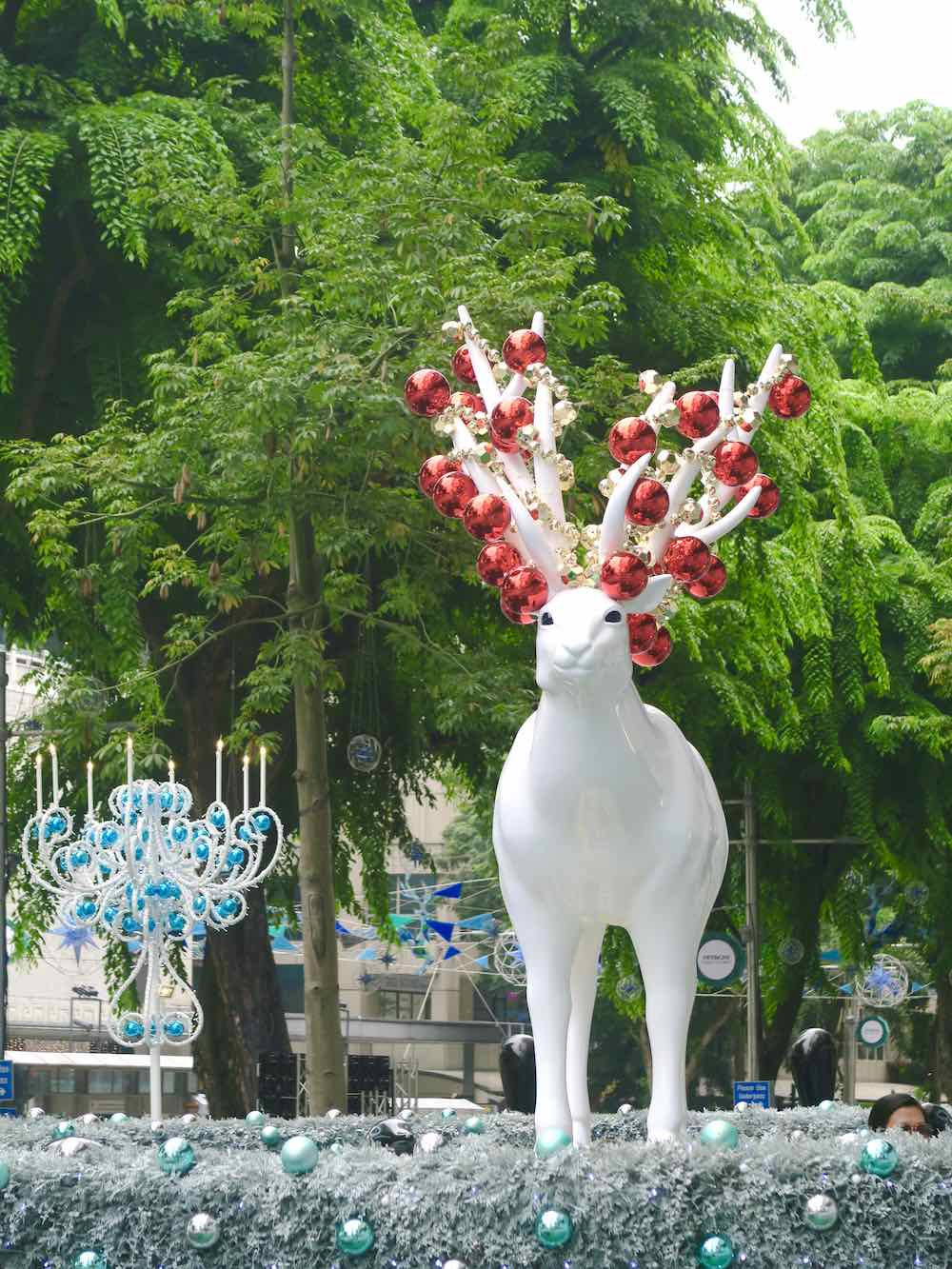 Close up of Christmas deer i front of ION Orchard |curlytraveller.com