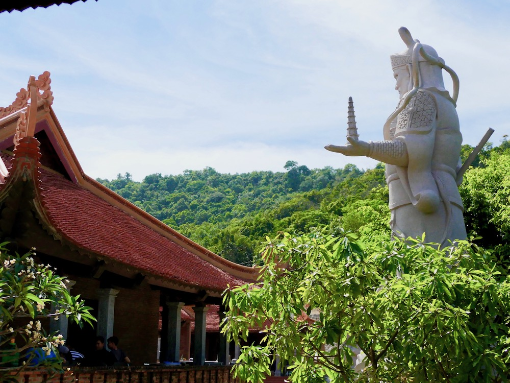 Giant warrior at Hu Quoc Pagoda |curlytraveller.com