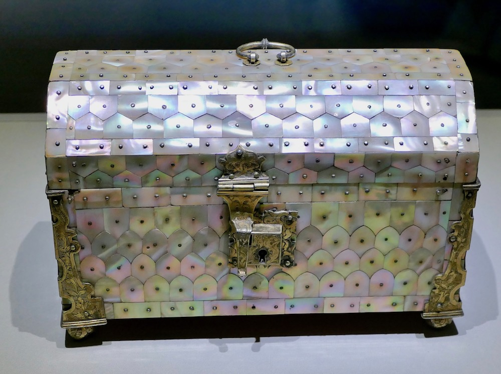 Mother-in-pearl box from India |curlytraveller.com