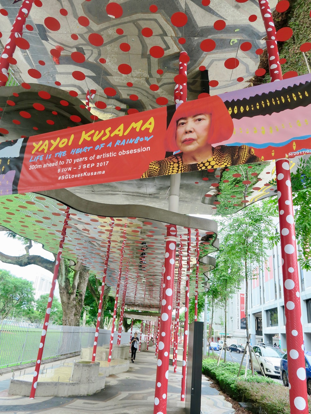 Kusama's polka dots on the streets of Singapore |curlytraveller.com