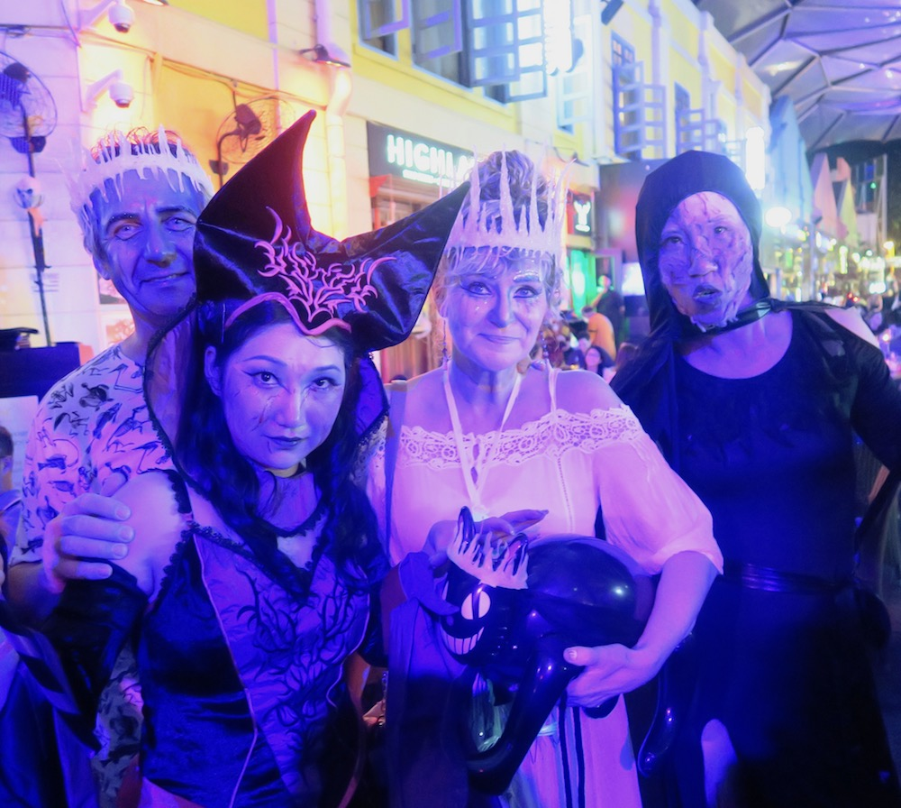 Halloween party people in Clarke Quay Singapore |curlytraveller.com